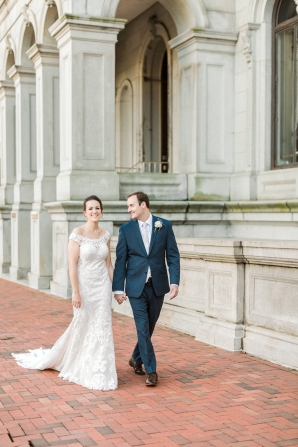 Traditional Virginia Wedding with Pops of Blue17