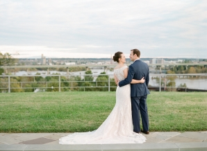 Traditional Virginia Wedding with Pops of Blue19
