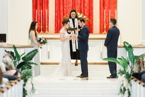 Traditional Virginia Wedding with Pops of Blue23