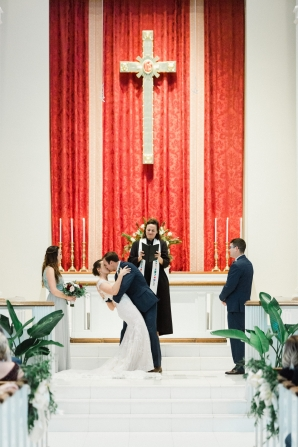 Traditional Virginia Wedding with Pops of Blue24