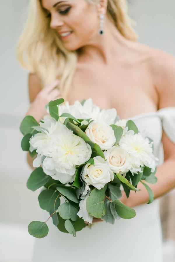 White Wedding Bouquets 1