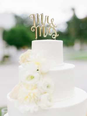 White Wedding Cakes with Flowers