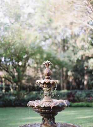 Summer Wedding Inspiration with Berry Tones Hannah Alyssa Photography01