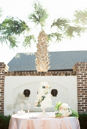 Traditional Charleston Wedding at Governor Thomas Bennett House Ava Moore Photography15