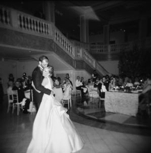 Classic Museum Wedding in DC Lisa Blume40