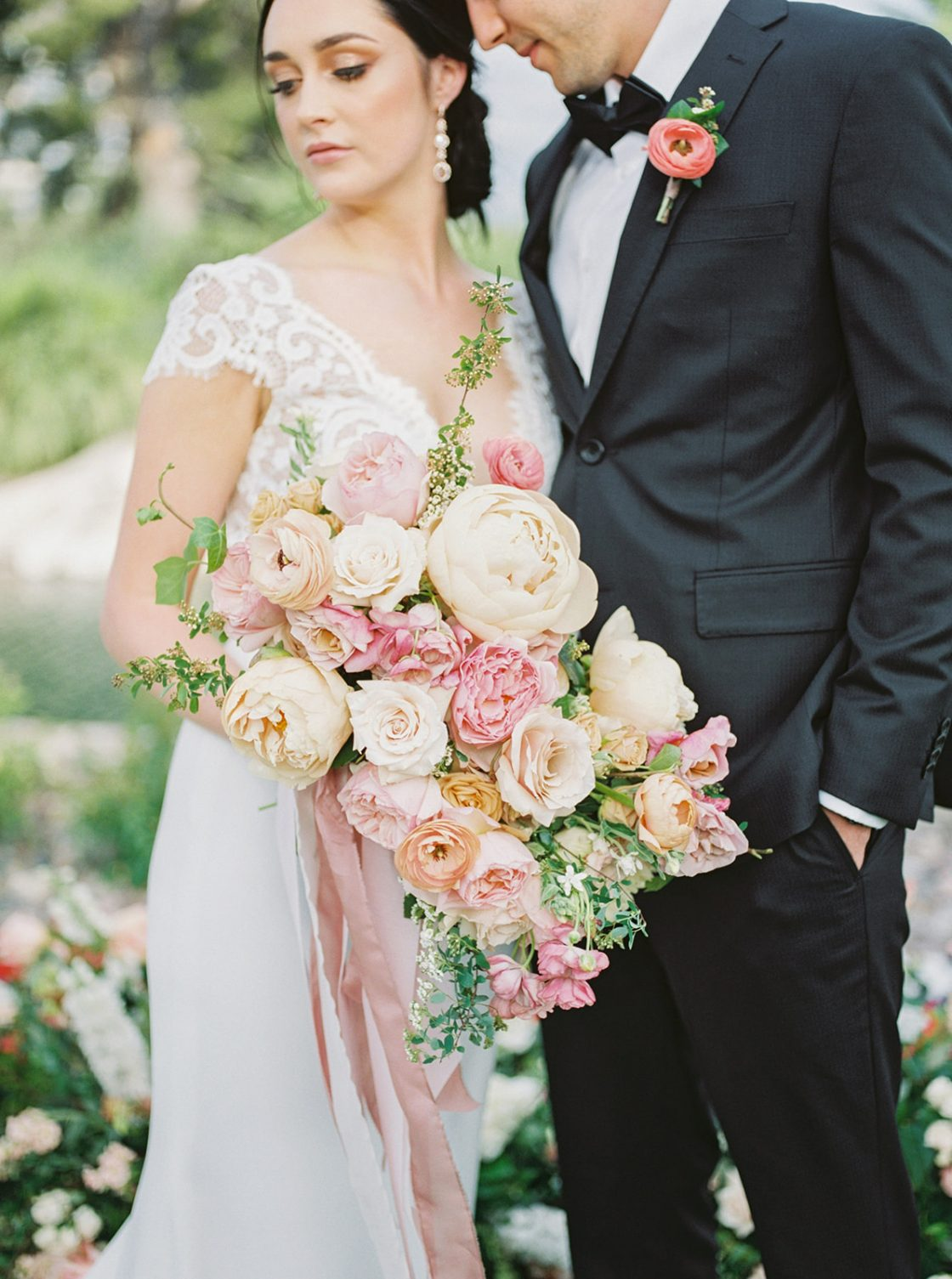 Colorful Summer Wedding Inspiration in Las Vegas Lianna Marie Photography09