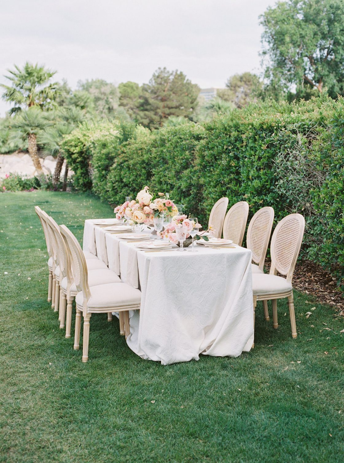 Colorful Summer Wedding Inspiration in Las Vegas Lianna Marie Photography27