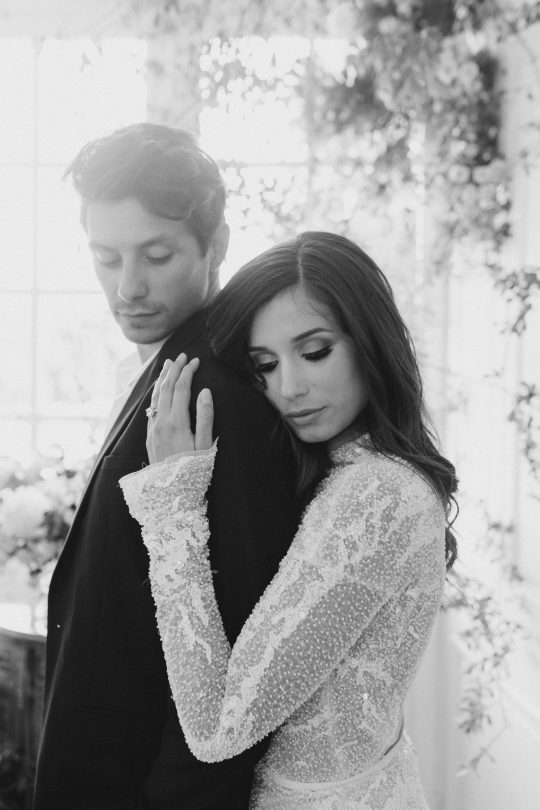 Intimate and Lush Elopement Inspiration in Normandy Alexi Lee Photography06