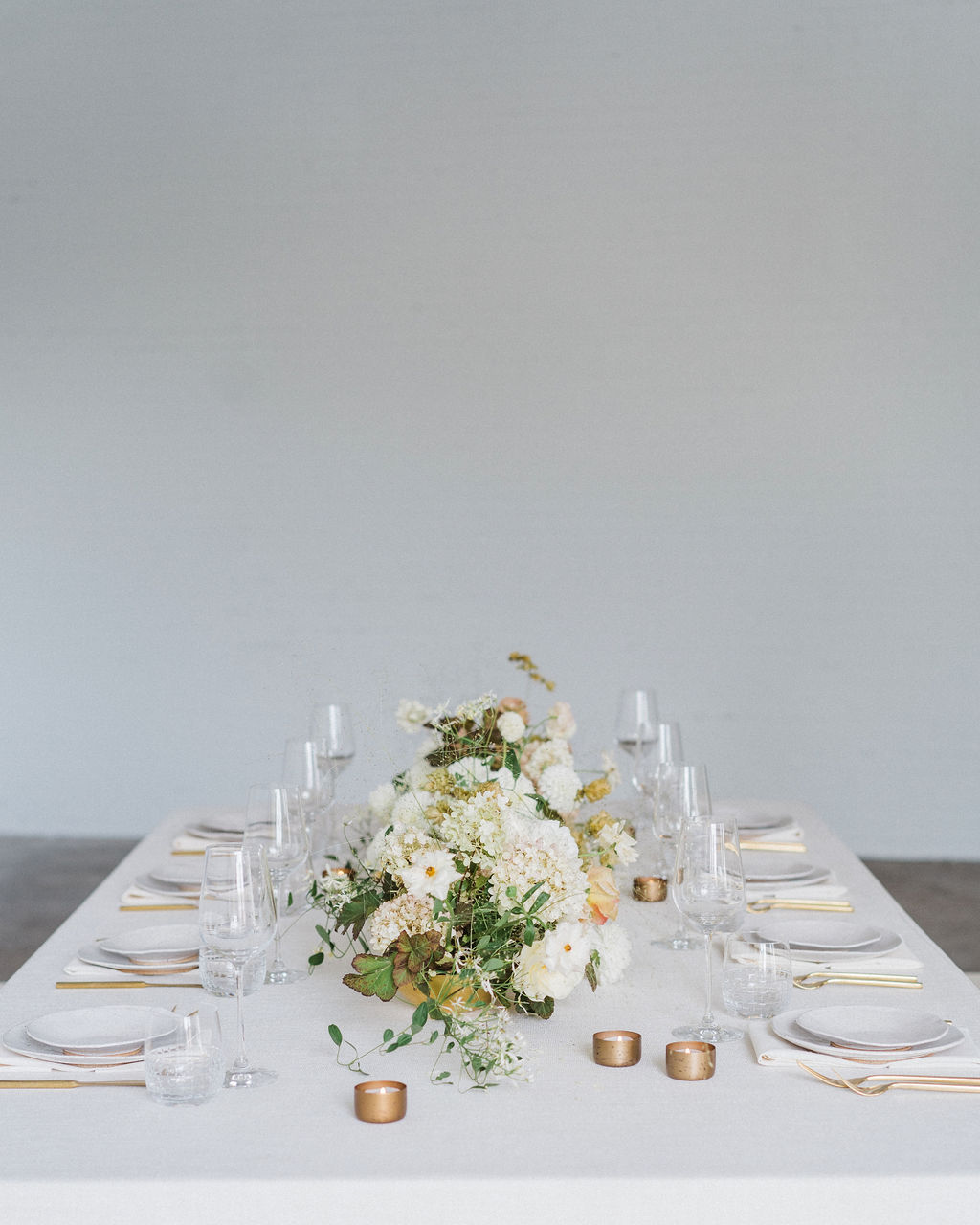 Sleek and Minimalist Wedding Inspiration Julia Simmons Photography04
