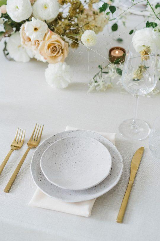 Sleek and Minimalist Wedding Inspiration Julia Simmons Photography05