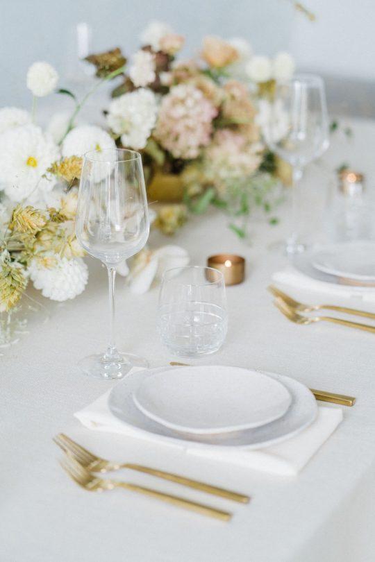 Sleek and Minimalist Wedding Inspiration Julia Simmons Photography06