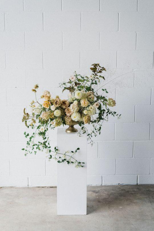 Sleek and Minimalist Wedding Inspiration Julia Simmons Photography08