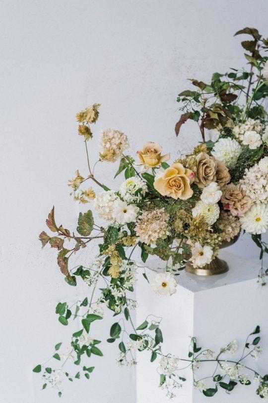Sleek and Minimalist Wedding Inspiration Julia Simmons Photography09