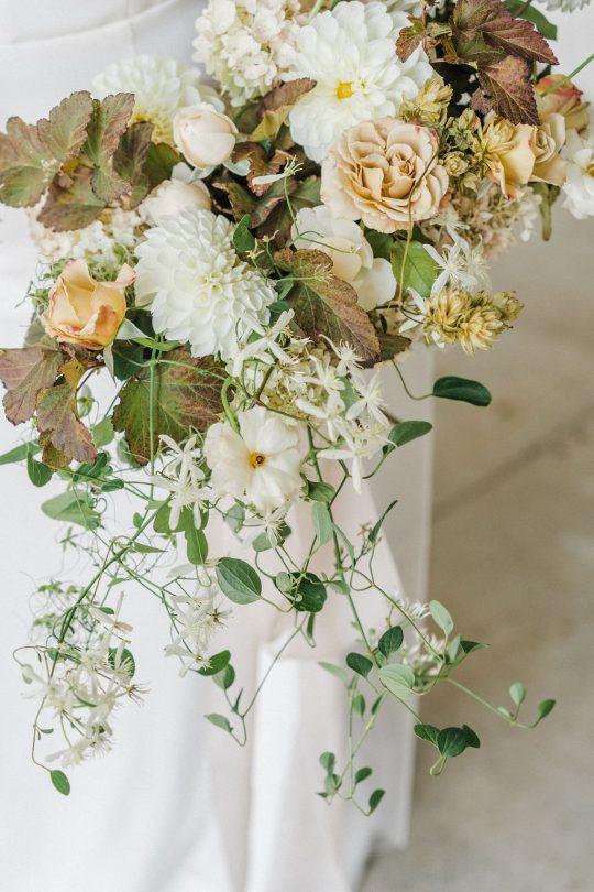 Sleek and Minimalist Wedding Inspiration Julia Simmons Photography14