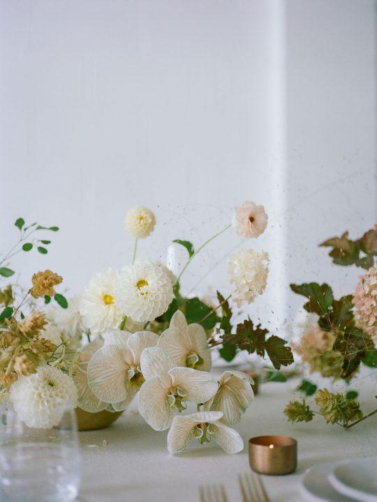 Sleek and Minimalist Wedding Inspiration Julia Simmons Photography15