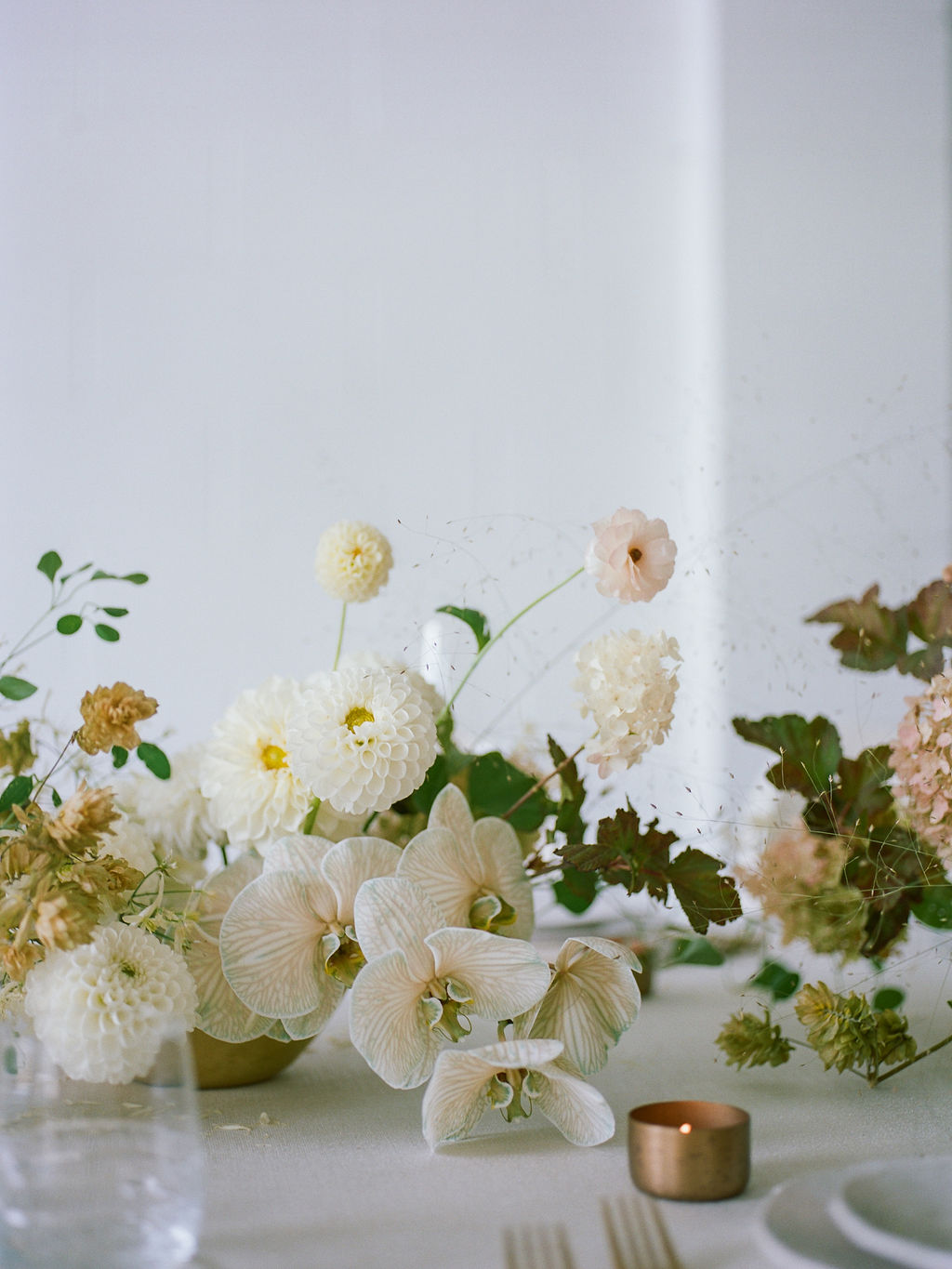 Sleek and Minimalist Wedding Inspiration Julia Simmons Photography15