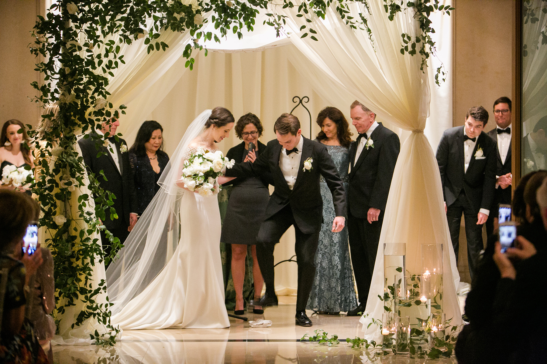 Timeless DC Wedding with Shades of Green Kristen Gardner Photography27
