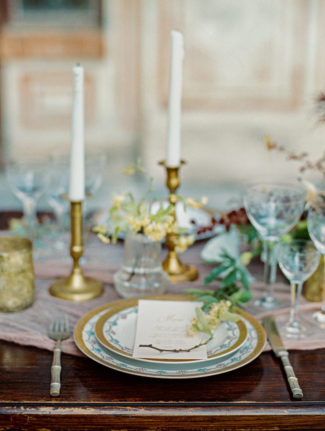 Antique Gold Tablescape