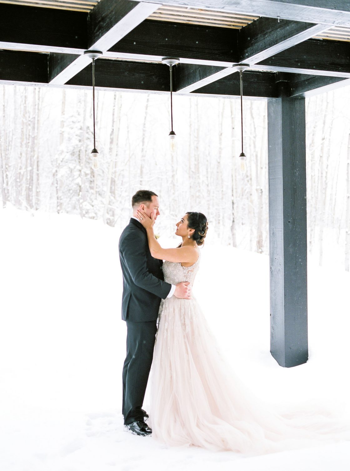 ElegantWinterWedding AnchorageAlaska 112