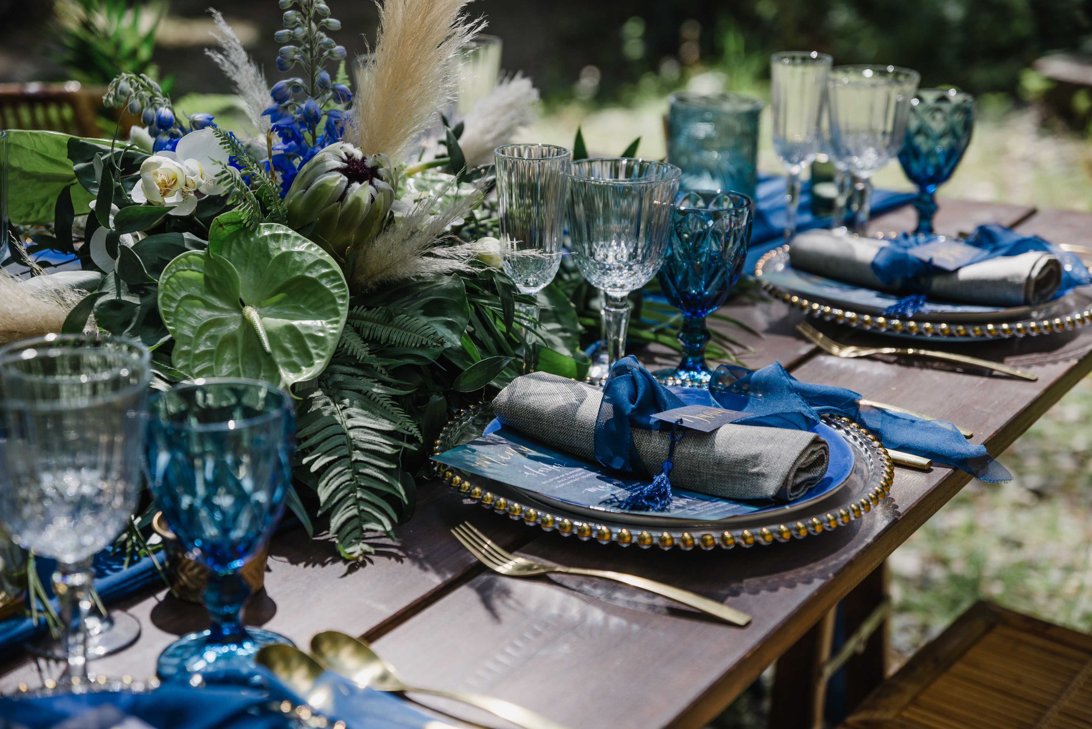 Tropical Blue and Green Tablescape