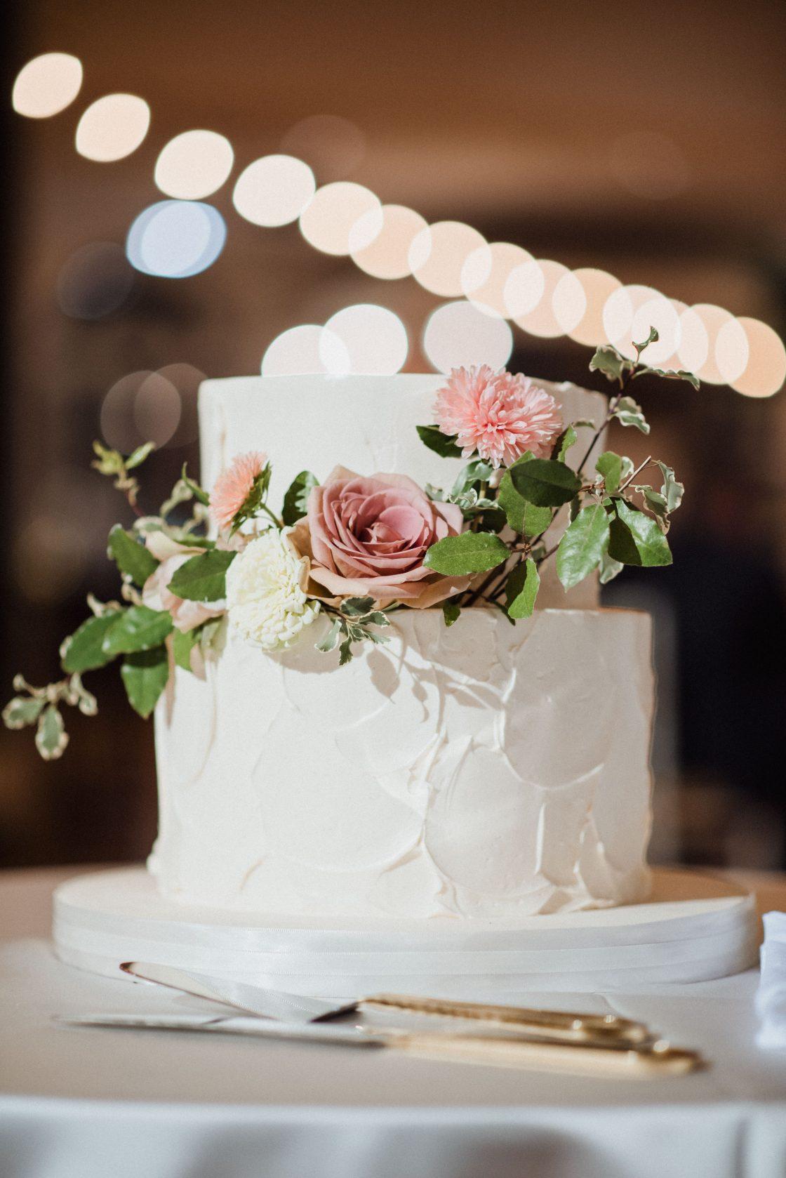 Classic Garden Wedding Cake with Fresh Flowers