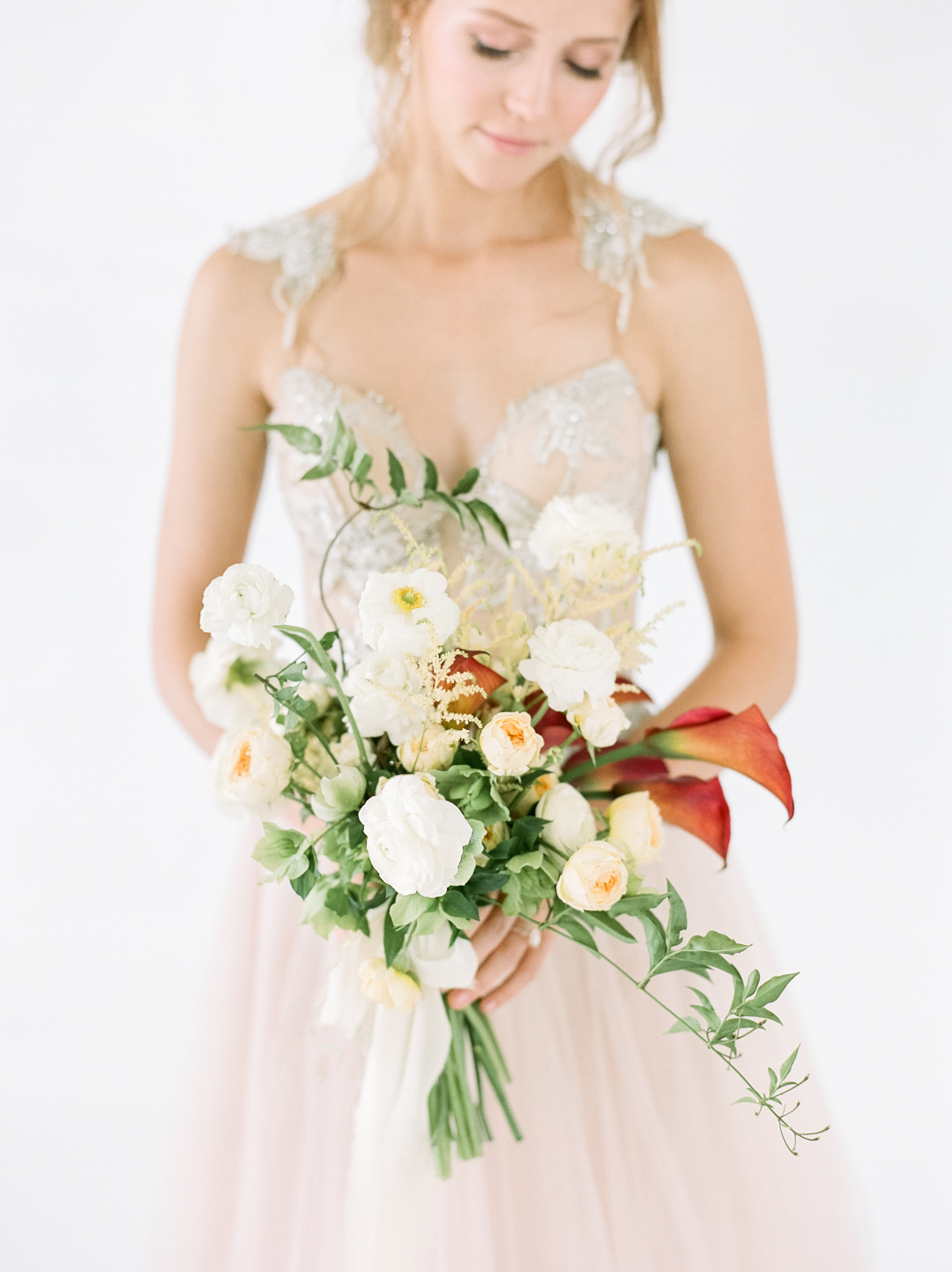 Fiery Romantic Ivory and Rust Bouquet