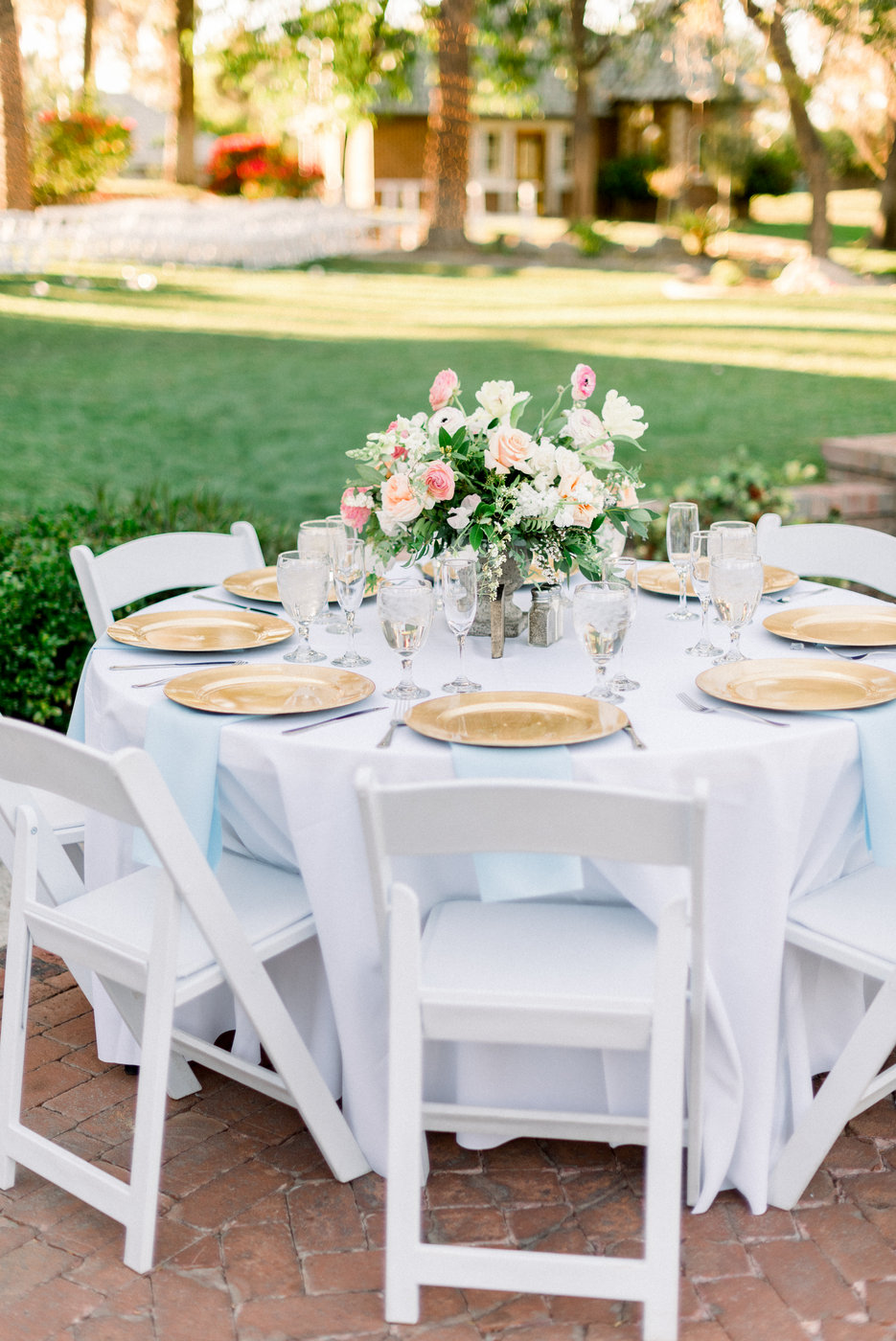 Gold Charger Wedding Tablescape