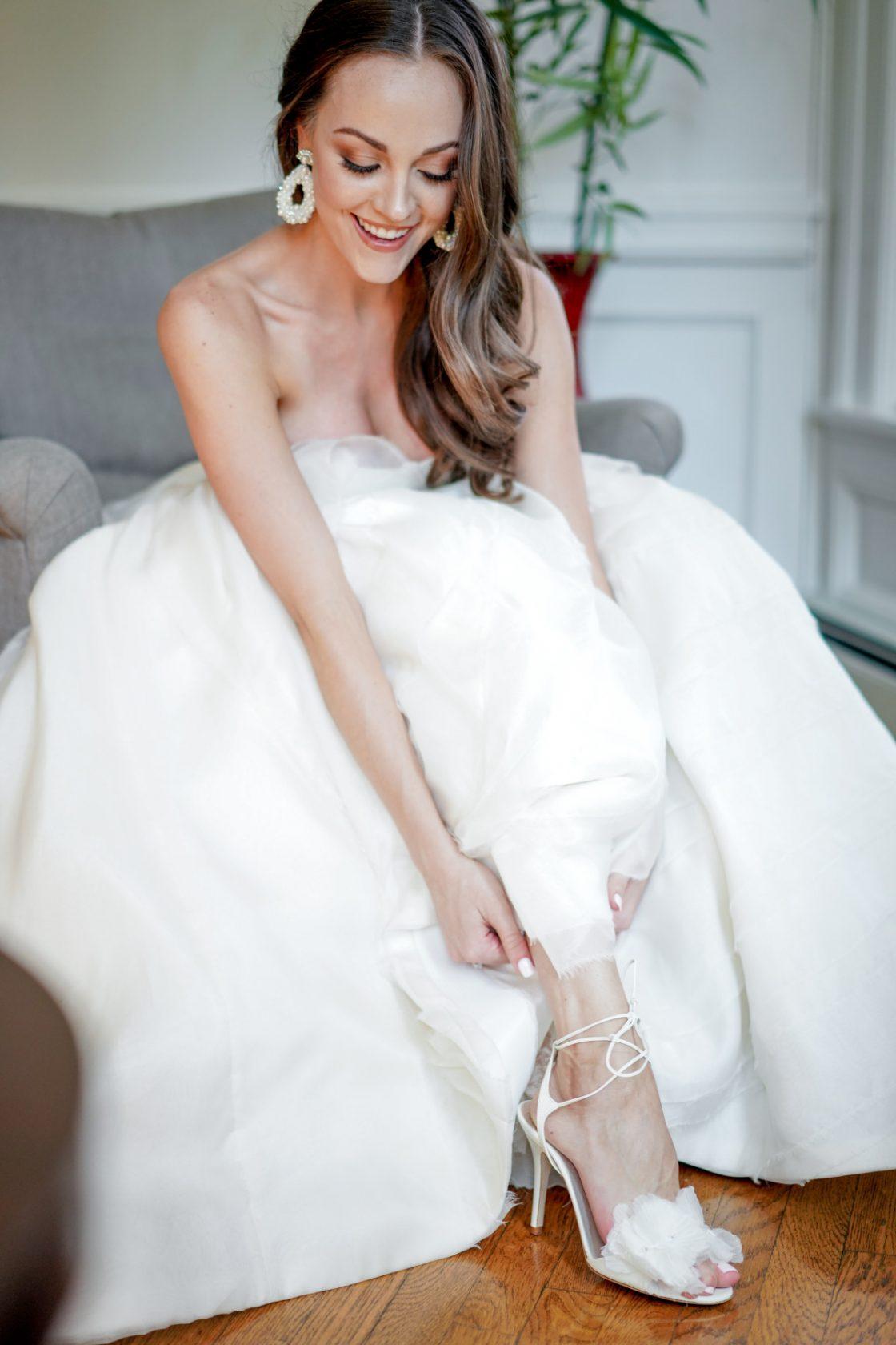 Elegant Bride Getting Ready Photo