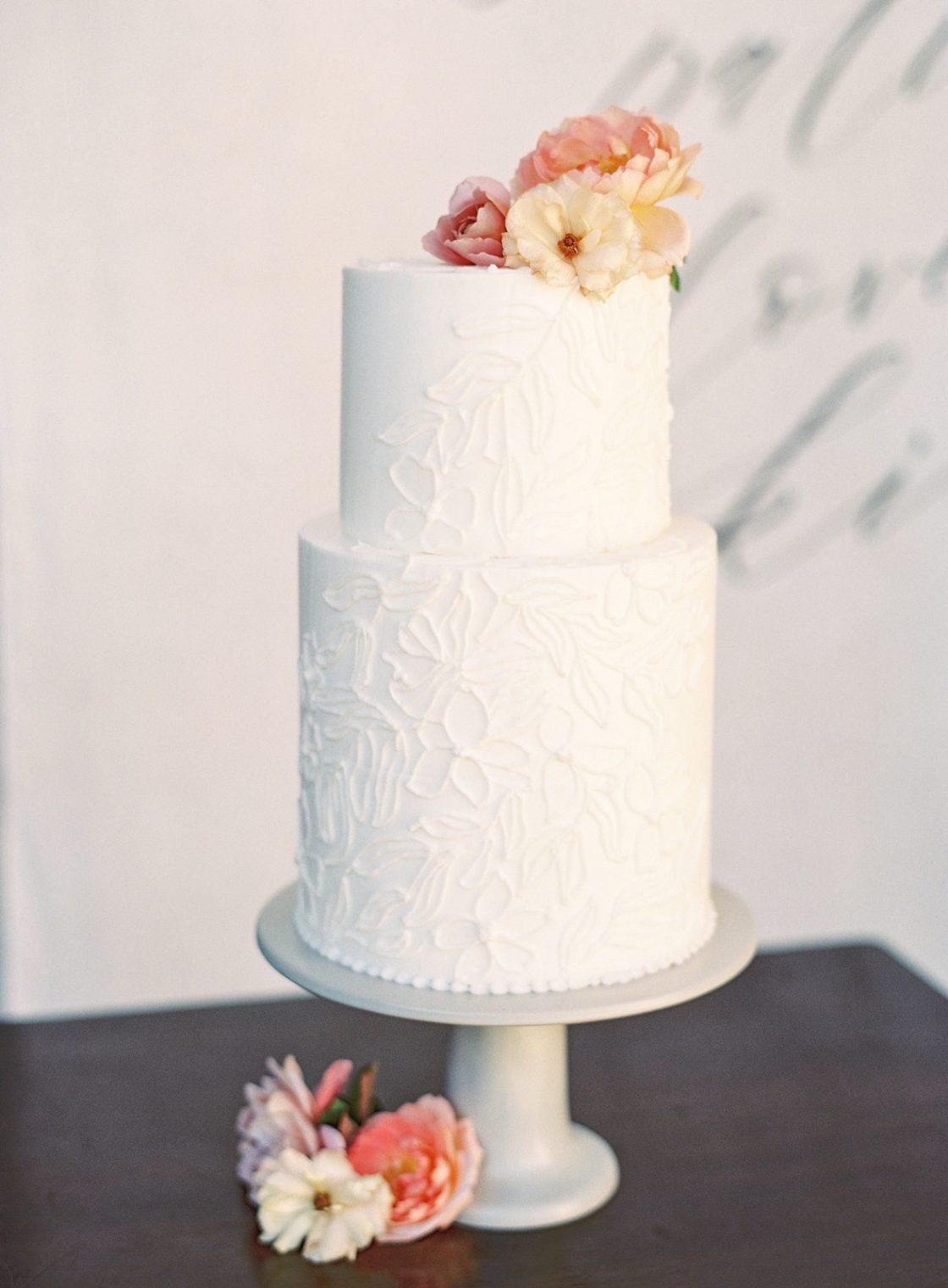 Romantic White Wedding Cake