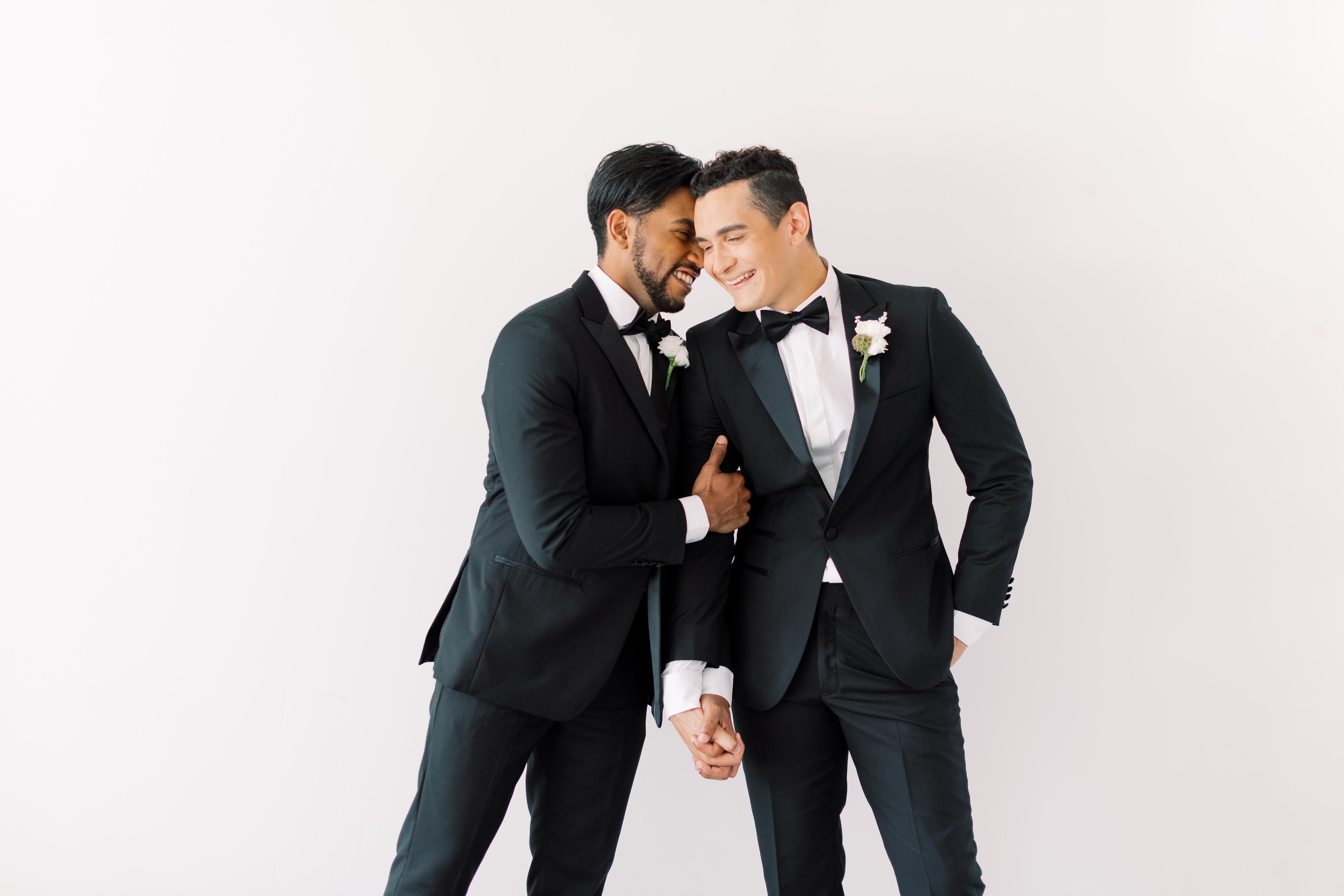 Stylish Grooms Wedding Suits